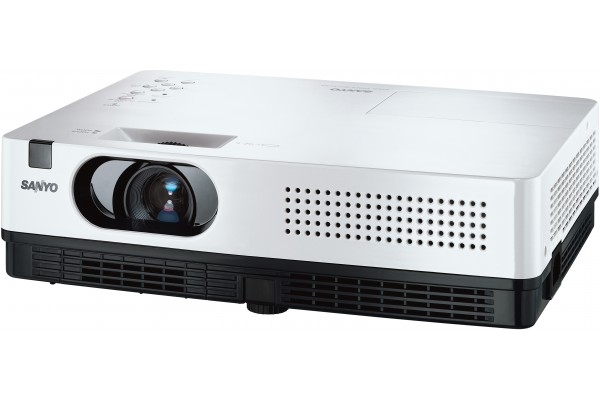 VIDEOPROJECTEUR LCD SANYO PLC-XD2200