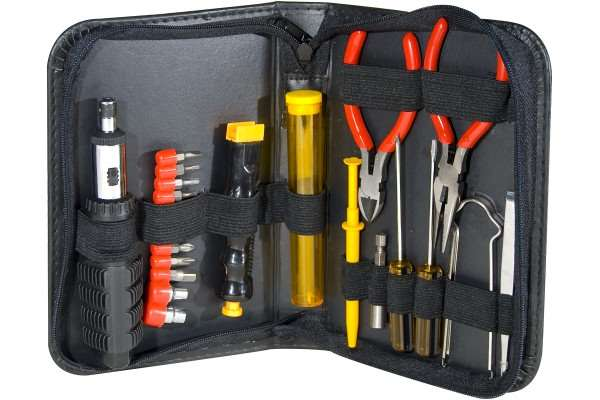 TROUSSE OUTILS 23 OUTILS